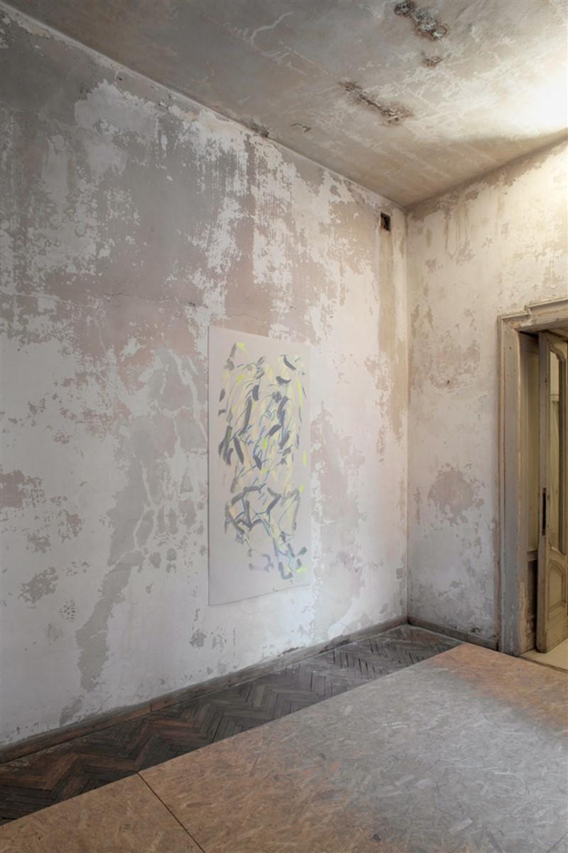 05. l'avventura - die mit der liebe spielen - exhibition view - Melike Kara Apartement1 2014 oil on plastic material 157x80cm - courtesy AplusB - photo Philip Seibel