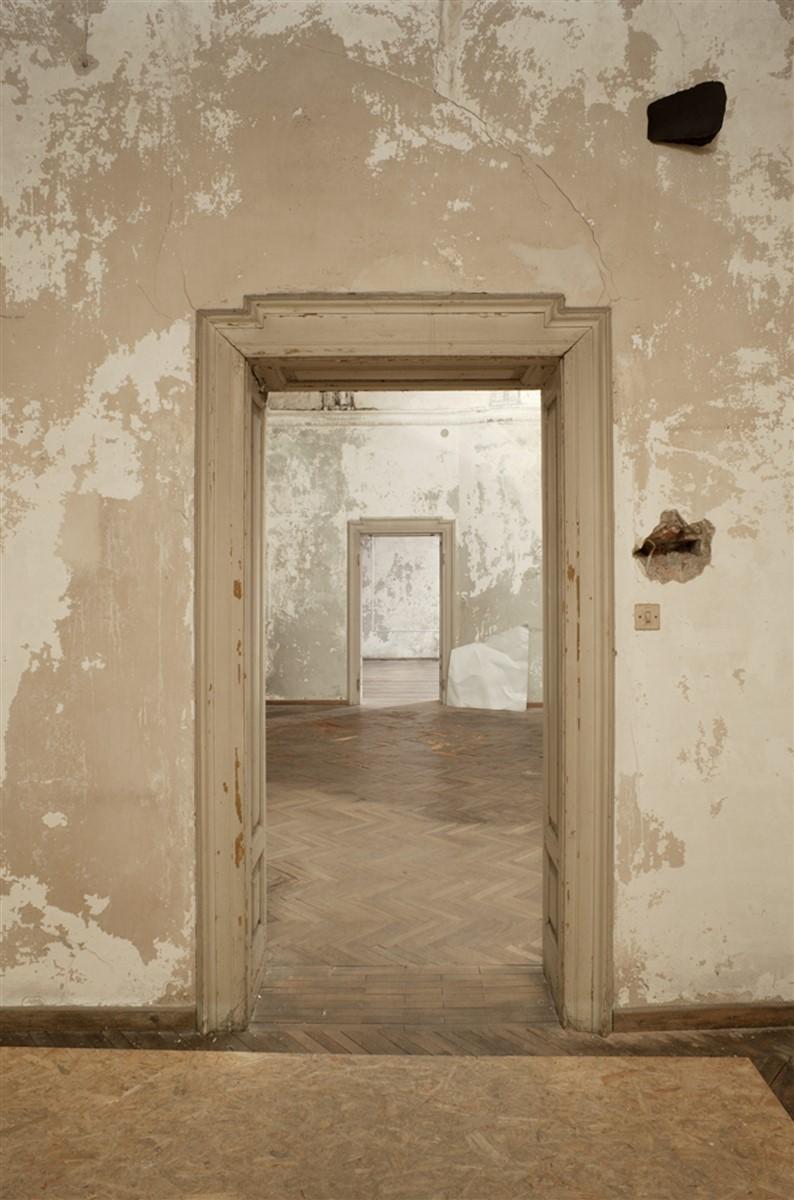 06. L'avventura - die mit der liebe spielen - exhibition view - room 3 and 4 - Valerie Krause - photo Philip Seibel