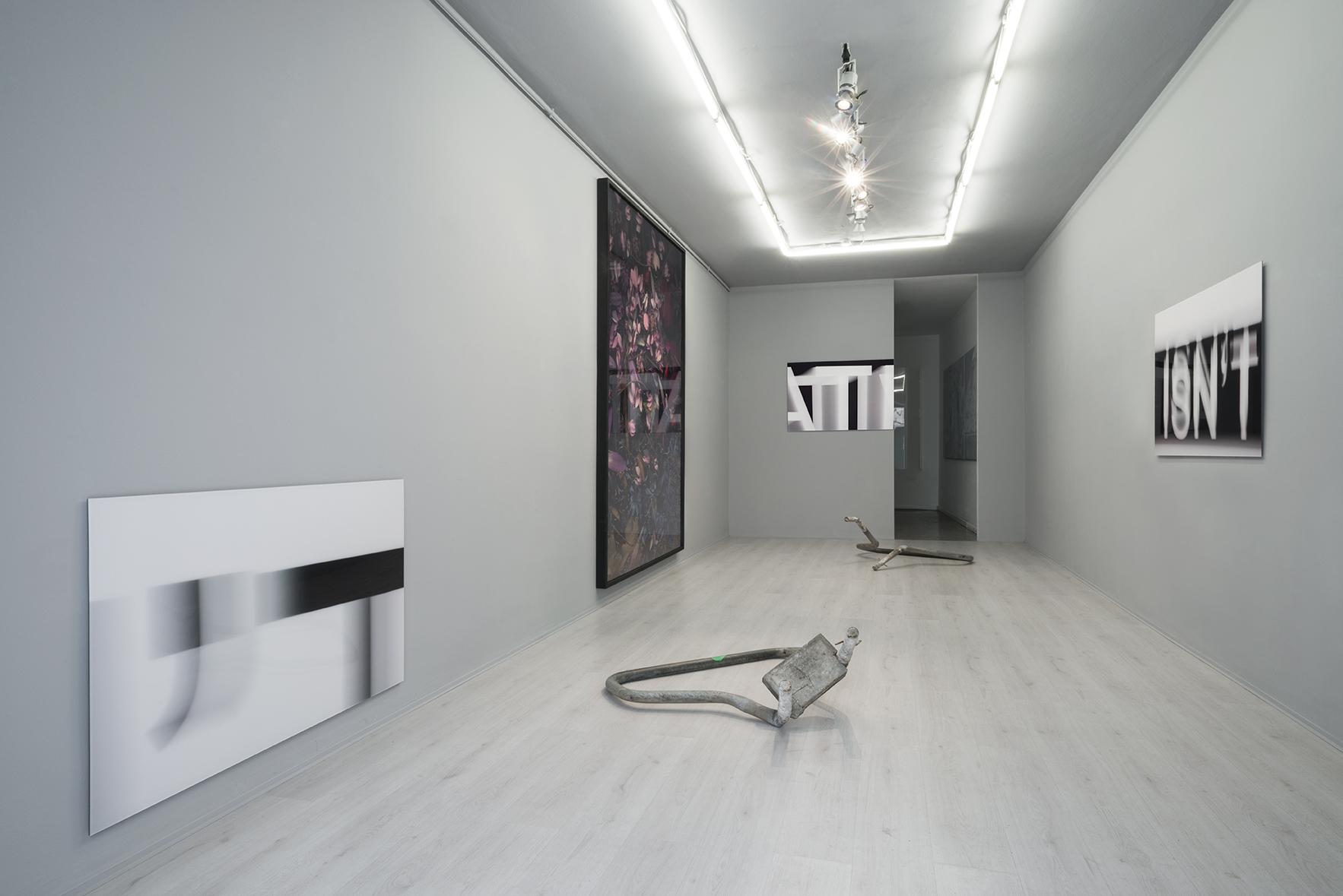 Slash, exhibition view, Simon Laureyns, Silvia Hell, Niccolò Morgan Gandolfi