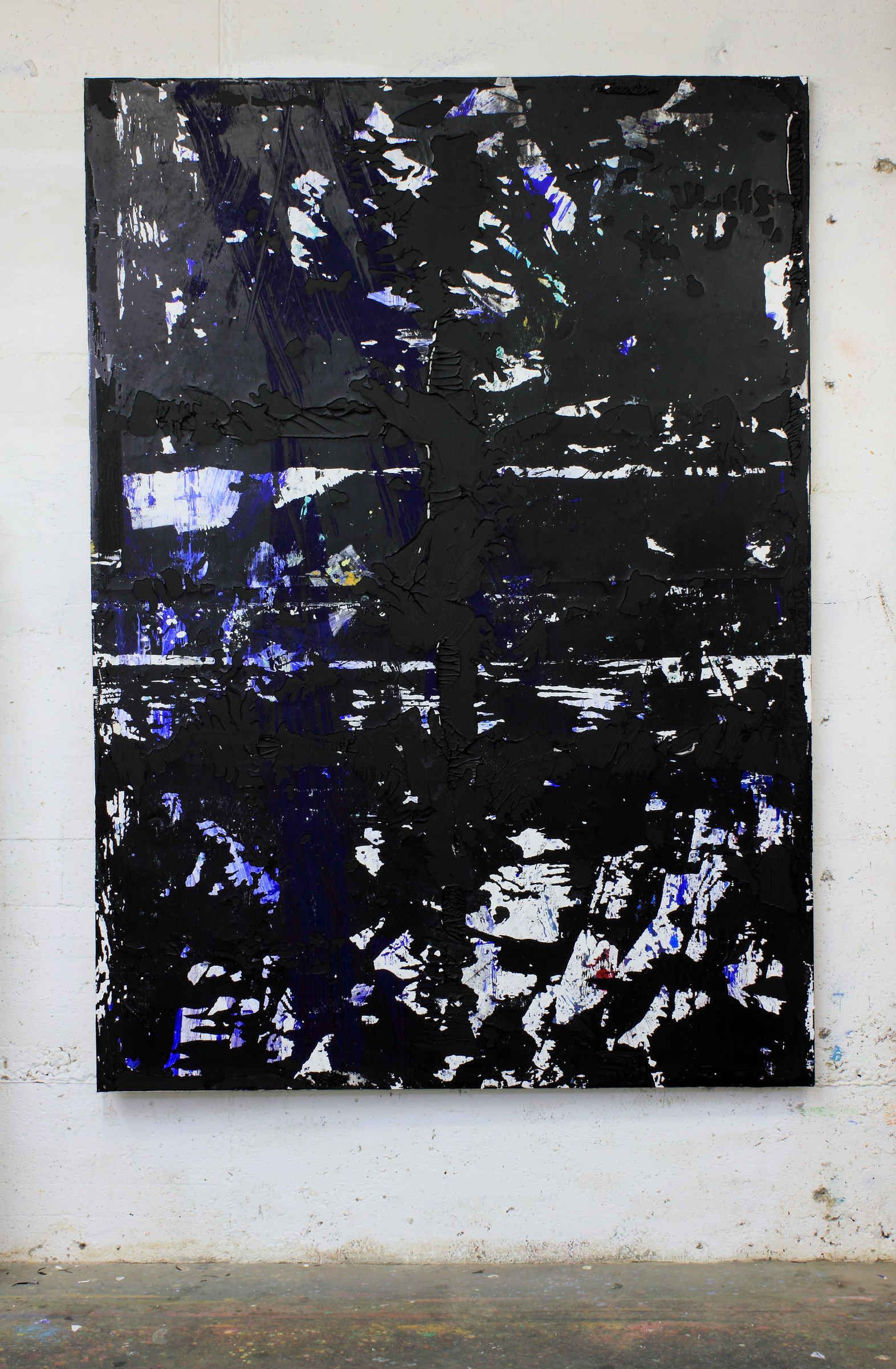 36_untitled, 2015, acrylic, acrylic sediments, binder and dirt on primer on cotton, cm 210x150