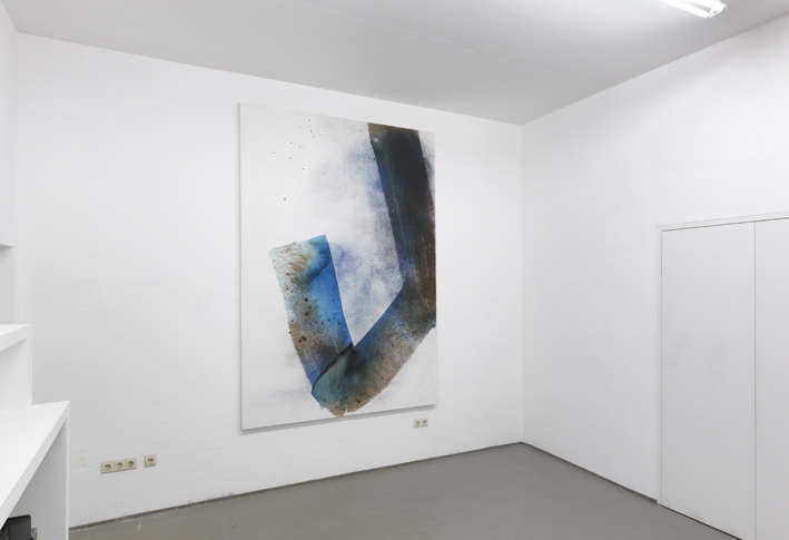 Max Frintrop, installatin view at RAUM e.v., work Untitled Dustin Hoffmann 260x180cm 2015