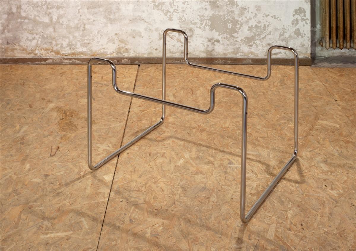 026. Tobias Hoffknecht Untitled 2014 steel 60x80x90cm - courtesy AplusB Brescia