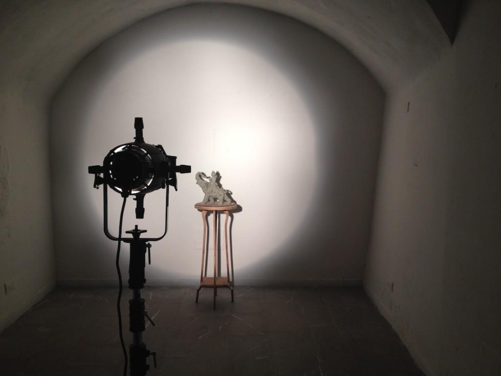 07-Marco-Gobbi.-Copy-with-original-shadow-2014-Argilla-legno-ferro-grafite-ombra-luce-1024x768