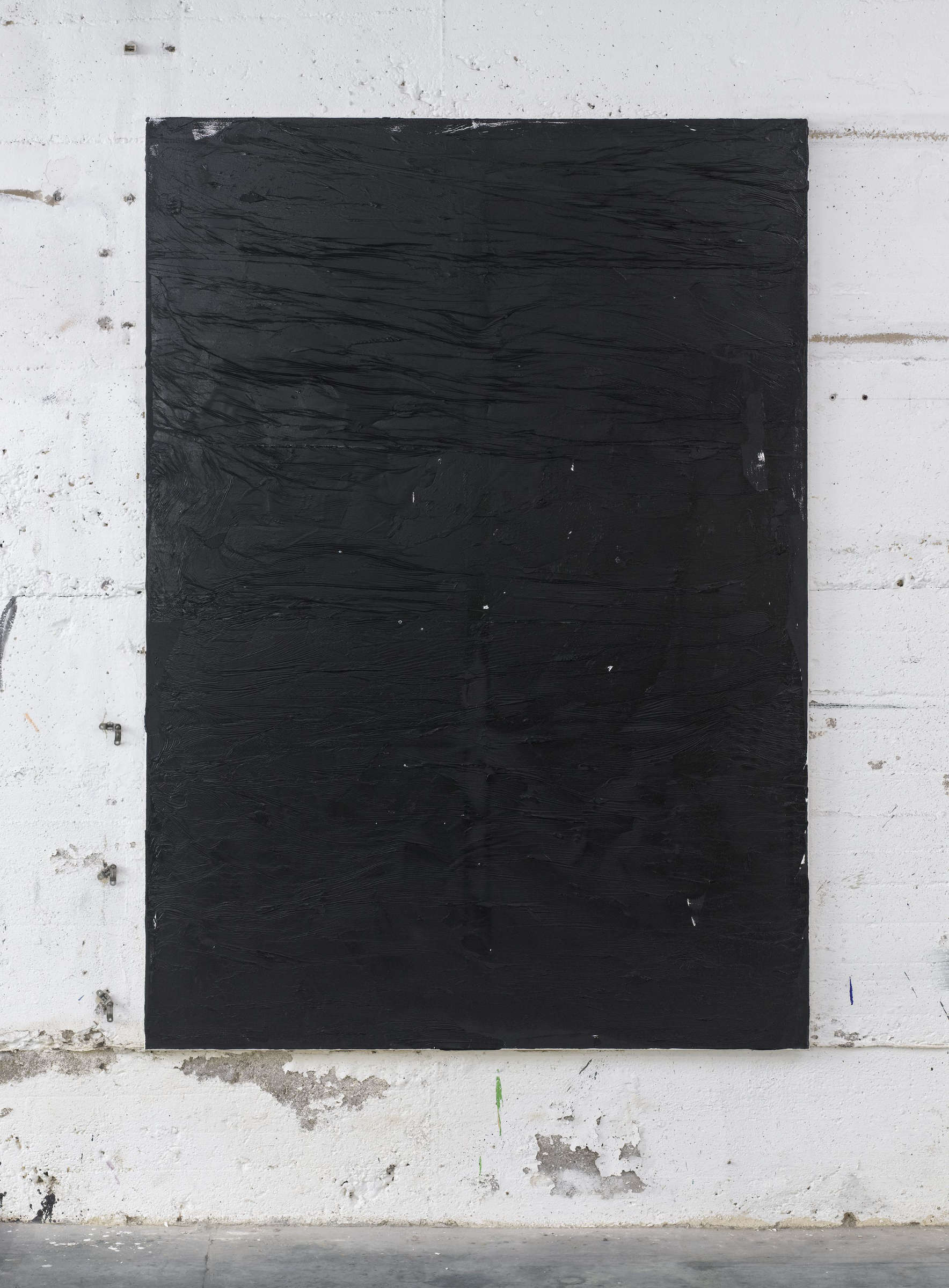 18_Tiziano Martini, 2015, untitled, black acrylic paint on primer on cotton, cm 210x150, photo Dejna Saric