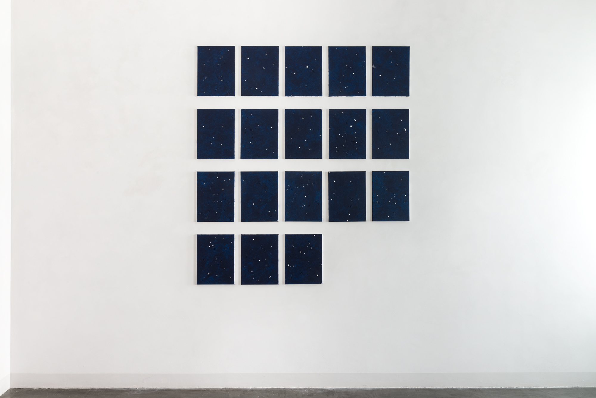 2. Davide Mancini Zanchi, Osiuco vista da 18 punti di vista differenti, 2017, Composition of 18 painting acrylics on canvas and papers ball with spittle, dimension variable