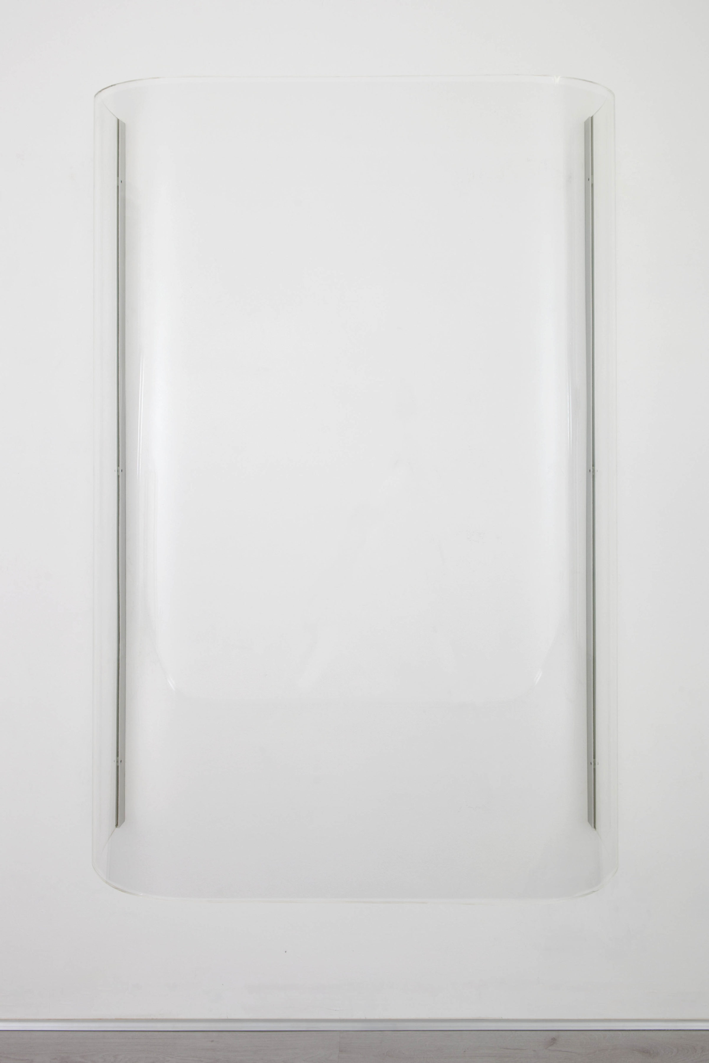 stephanie stein - tobias hoffknect, O-ton, plexiglass, metal, 190x140x45cm